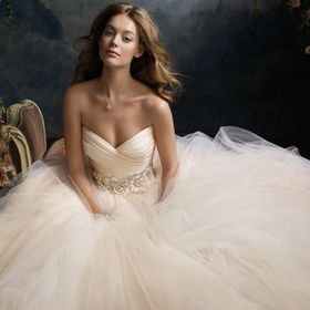 Volle's Bridal