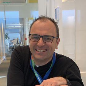 Martin Caine