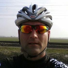 Arie Van de Wardt