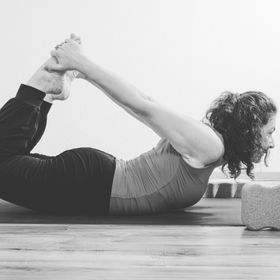 nadia schmidt yogabynadia auf pinterest