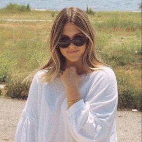 Sydney Lynne