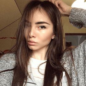 Lorena Overson