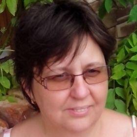 Zsuzsa Szabó