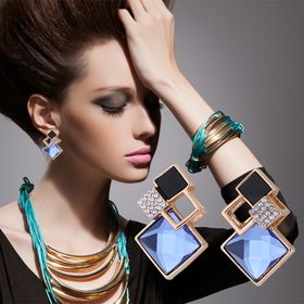 Latest Fashion Trends Collections Nails Makeup Cloths Accessories
