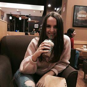 Anna Arriaga