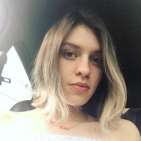 Laíza Mello