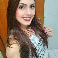 Ana Laura Ribeiro