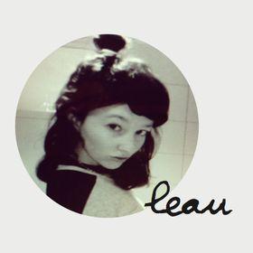 LEAU  /  Laura van der Wegen