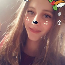Sophie Bayer