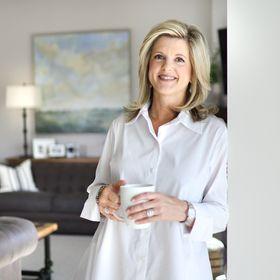 Jennifer Davenport | Interior Designer. Youtuber.  Blogger