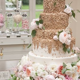 Couture Cakes by Katie Sanderson