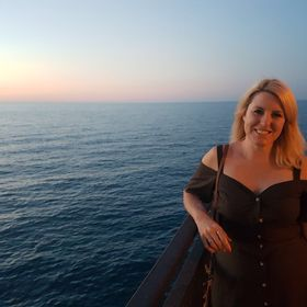 Kirsty | Travel and Food Blogger