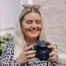 Mollie Manning   Photographer & Content Creator in Kent.