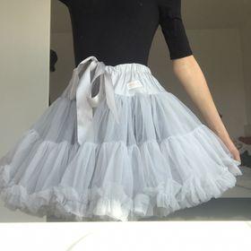 Teri Dance