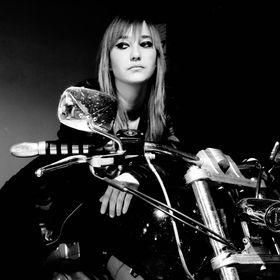 Rena Bacsuri