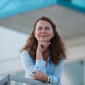 Angela Lund