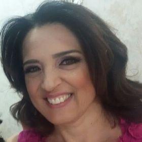 Deborah Cristina Gomes