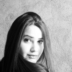 Caroline Meireles