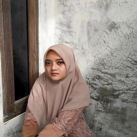 Putri Helmaliyani Sari