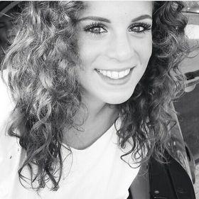Ashley De Mik