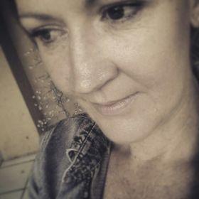 Lynette Lourens