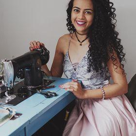 Alana Santos Blogger