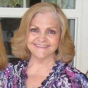 Debbie O. ❤