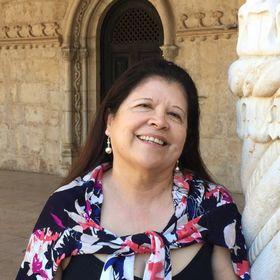 Lupita Ynostroza