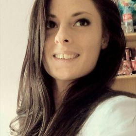 Adrienn Simon