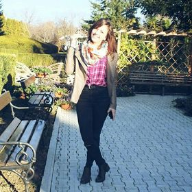 Andreea Andi