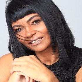 Lourdes Santos