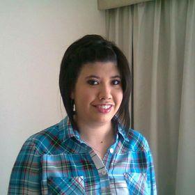 Mary Hellen Gomez