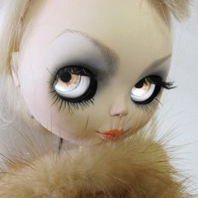 Marina Zyx visual art and art to wear