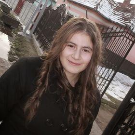 Elena Creata