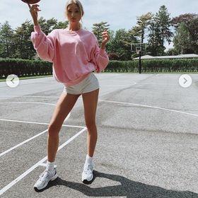 C date tennis modella Joseph Ribkoff