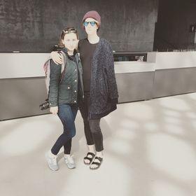 Rachel & Adrienne Hochman