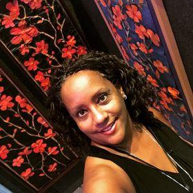 Artist Yvette Michele