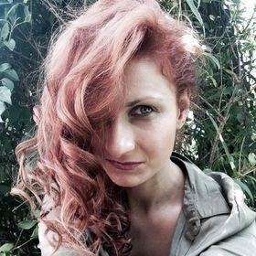 Anna Pesti