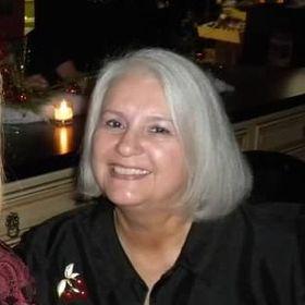 Carolyn Earsom