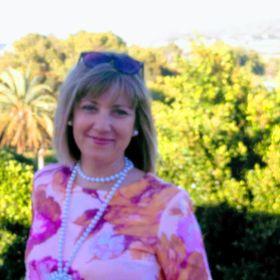 Cristina E.A.