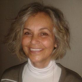 Selma Aköz