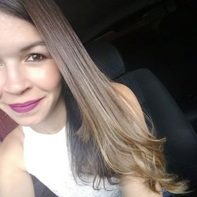 Carol Oliveira