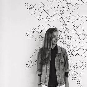 Amber Massey