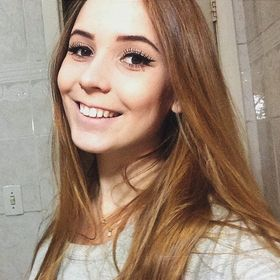 Júlia Lorenz