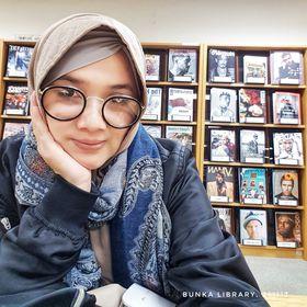 Yanie Maryani