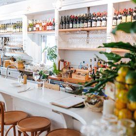 Queen St Eatery & Wine Bar
