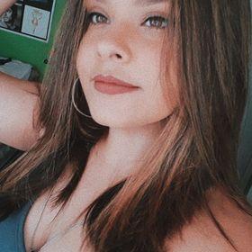 Ana Beatriz Mello