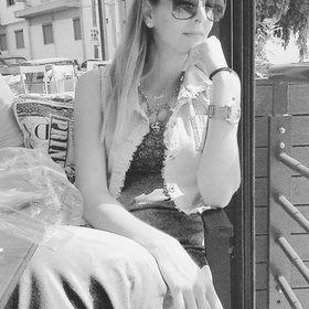 Anna Chareli