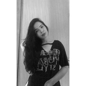 Thays Lorrane