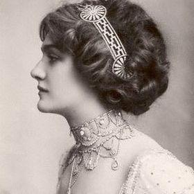Julie Walter